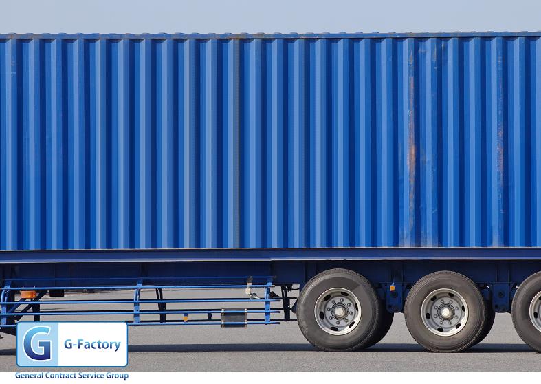 トラック荷台の塗装作業